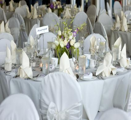 Nice day for a White wedding - Table settings